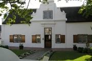 cape-dutch-stellenbosch-2